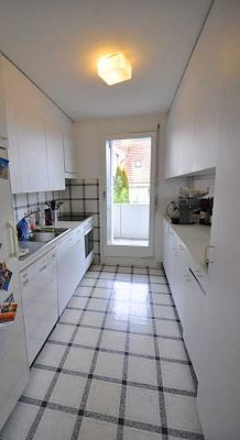 spacious-6-room-flat-adliswil-view-into-green-img_0452.jpg