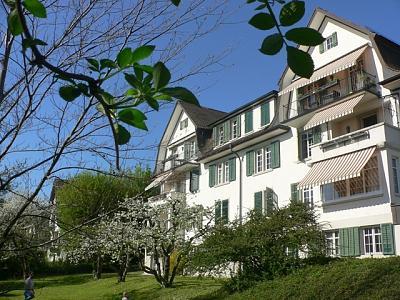 luxury-5-room-apartment-k-snacht-sublet-1-year-minimum-house-garden.jpg