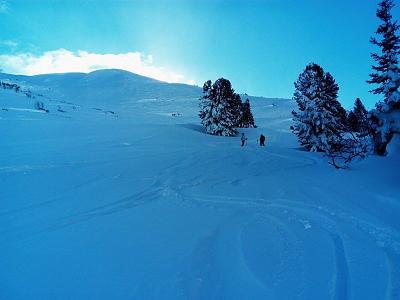 loads-snow-take-care-off-piste-12487268_10208916267930612_6399463848124020824_o.jpg