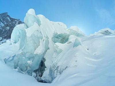 loads-snow-take-care-off-piste-uploadfromtaptalk1454230916573.jpg