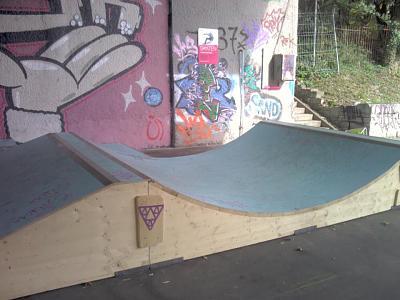 skateboard-partner-309612_293276364016613_100000027557545_1213232_2141811846_n.jpg