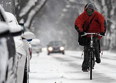 winter-cycling-alternatives-bike-trainer-versus-good-exercise-bike-bike-snow.jpg