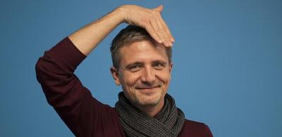 swiss-sign-language-topelement.jpg