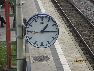 did-apple-copy-sbb-icloned-clock-img_2175.jpg