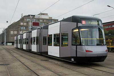 what-deal-new-trams-being-tested-zurich-1475883_677510342269820_409114853_n.jpg